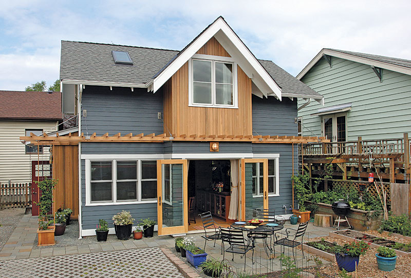 Carriage house comeback fine homebuilding for How much to build a carriage house