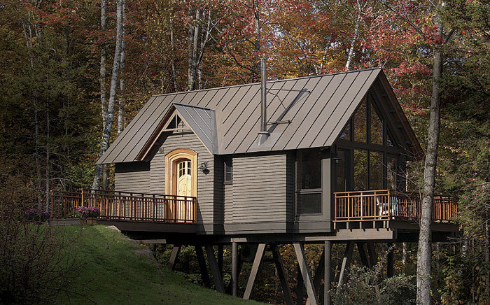 Mountaintop treehouse fine homebuilding for Fine home building