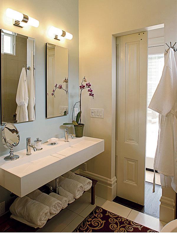Small bathroom updates simple bathroom makeovers bathroom for Update small bathroom ideas