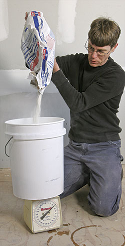 Bathroom Joint Compound pick and prepare joint compound - fine homebuilding