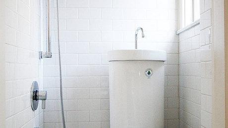 021247018-shower