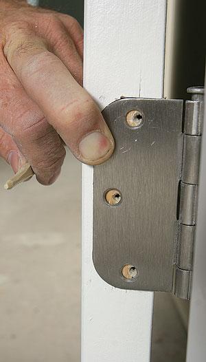 Hinge adjustment for a door\'s final fit - Fine Homebuilding