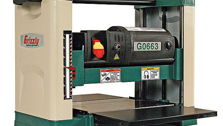 202-Grizzly-G0663-Portable-Thickness-Planer