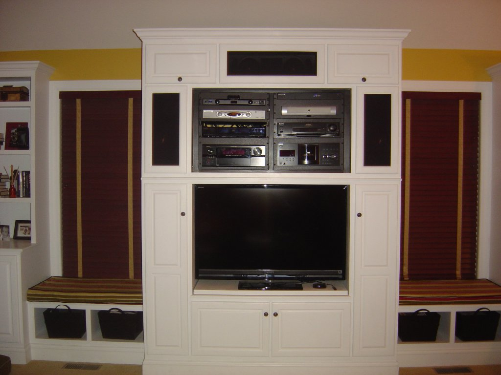 Entertainment center wall unit fine homebuilding How to build an entertainment wall unit