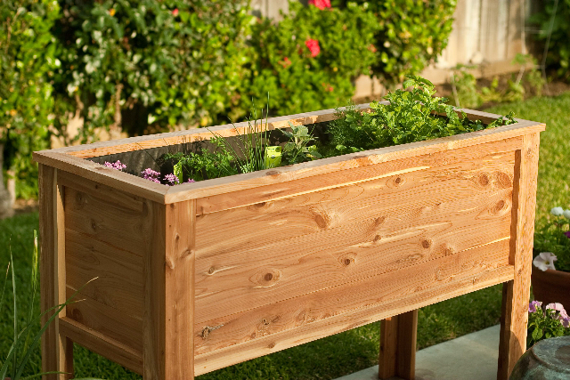 Deck garden box deck garden planter box all diy raised for Home garden box design