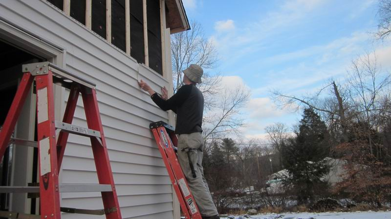 Patrick 39 s barn learning to love vinyl siding fine for How big is a square of siding