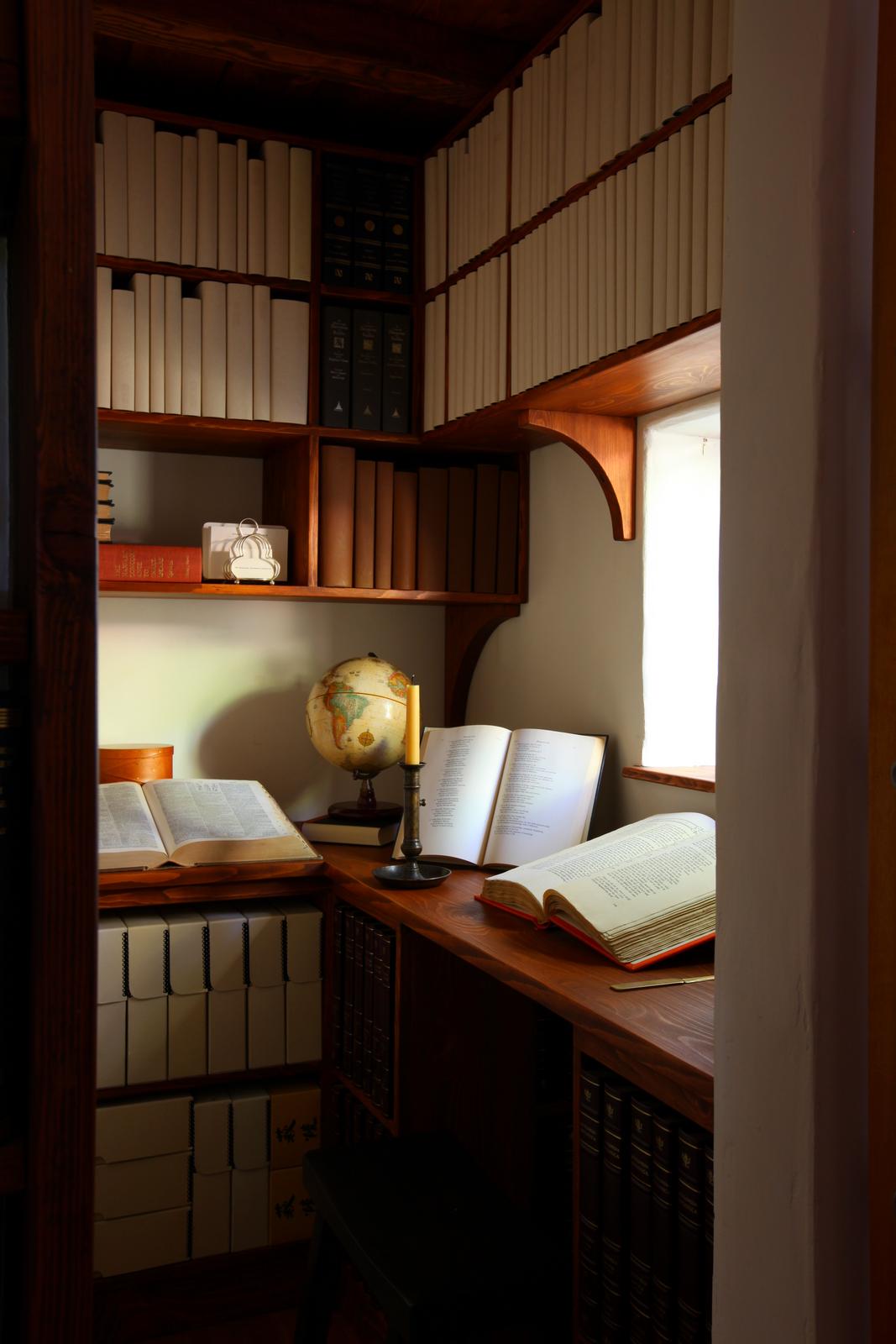 100 tiny study room design creative workspaces