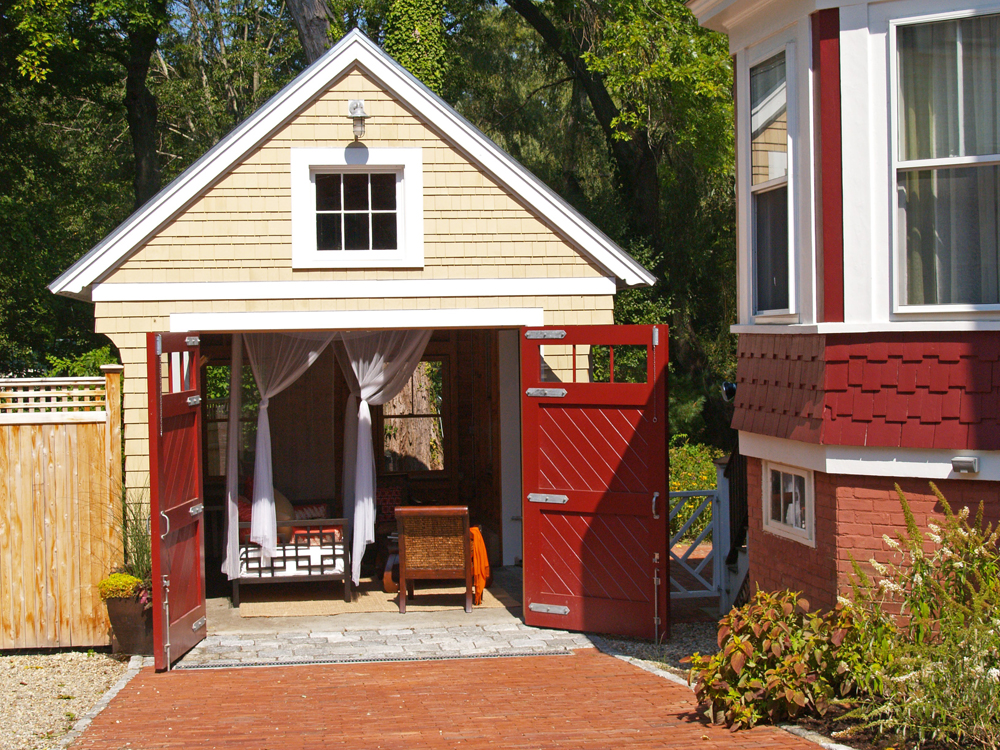 Call for submissions for a small house book fine for Finehomebuilding com houses
