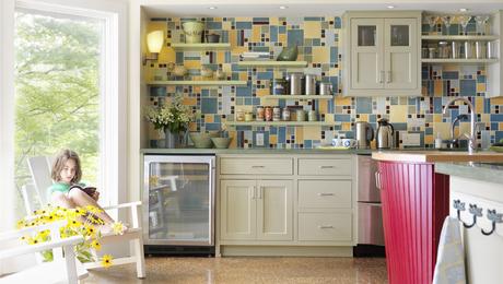 Colorful-lakeside-kitchen