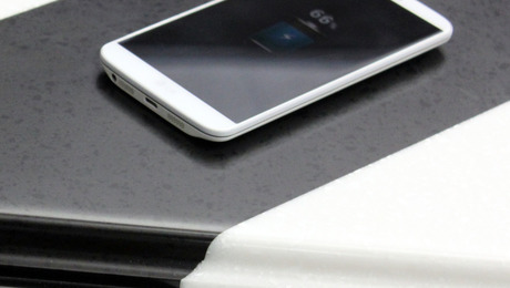 Tech Top is a wireless cellphone technology built into LG Hausys' HiMac and Viatera countertops.