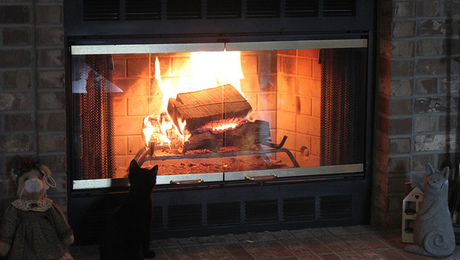 A cool fireplace timeless interior design fine homebuilding for Timeless fireplace designs