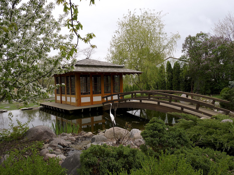 Japanese teahouse fine homebuilding for Japanese style garden buildings