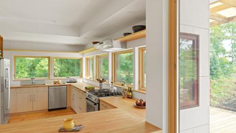 Light-filled_kitchen