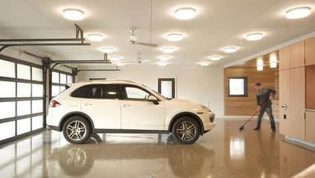 Well-Lit-garage-0061