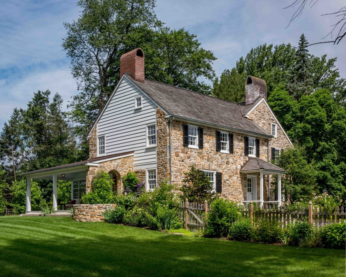 Readers 39 choice finalist 1700s era farmhouse fine for Fine home building