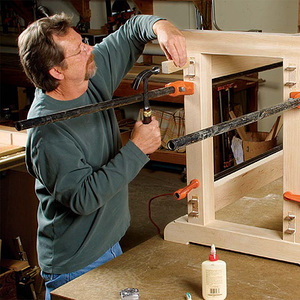 Knock Down Workbench Holds Two Tool Chests Finewoodworking