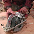 Cutting curves with circular saw