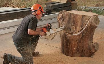 howard werner chainsaw furniture