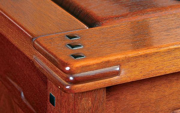 True greene and greene finewoodworking for Greene and greene inspired furniture