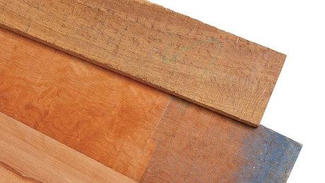 011215088_01_selecting-lumber