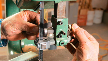 How to set up a bandsaw finewoodworking keyboard keysfo Gallery