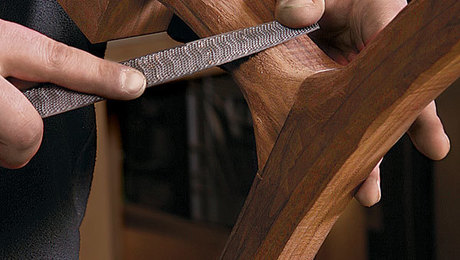 011241090_carving-table-legs