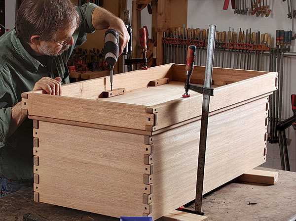 Build a greene and greene blanket chest finewoodworking for Free greene and greene furniture plans