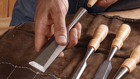 011244037_turn-your-own-chisel-handles