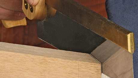 011253072_handwork-mitered-dovetail