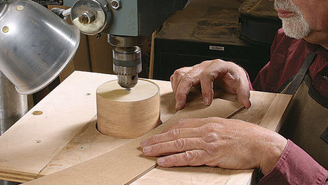 011254038_sanding-on-the-drillpress