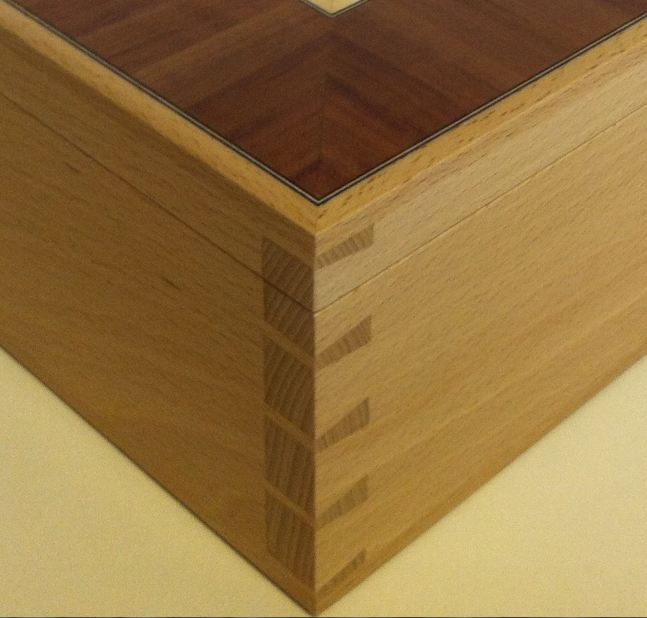 Handmade Dovetail Box - FineWoodworking