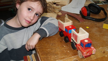 Children of all ages love making things from wood, either from their own imaginations or what they have seen others make. There are many things that children learn to do by making something from wood.