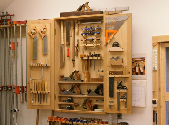 New tool cabinet packs in a lot of storage finewoodworking for Cabinet design tool