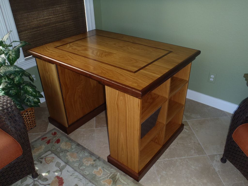 Project Table White Oak with Walnut trim and inlays