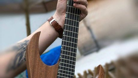 hufschmid_guitars_string_dampener_muter_fretwrap_helldunkel_H6_custom_guitars_(1)