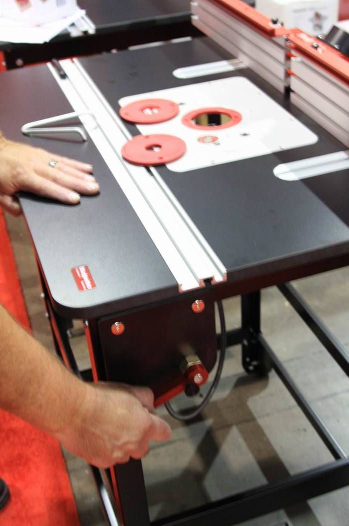 Iwf alert router table systems shine at the show finewoodworking woodpeckers new router lift lets you place the fine adjustment crank wherever you want it keyboard keysfo Image collections