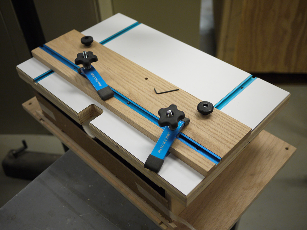 Homemade horizontal router table finewoodworking keyboard keysfo Images