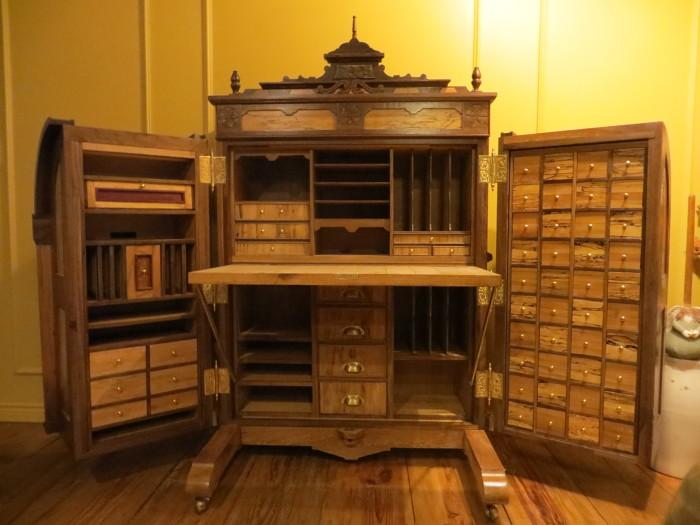 Wooten Desk - FineWoodworking