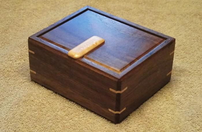 Walnut Box - FineWoodworking