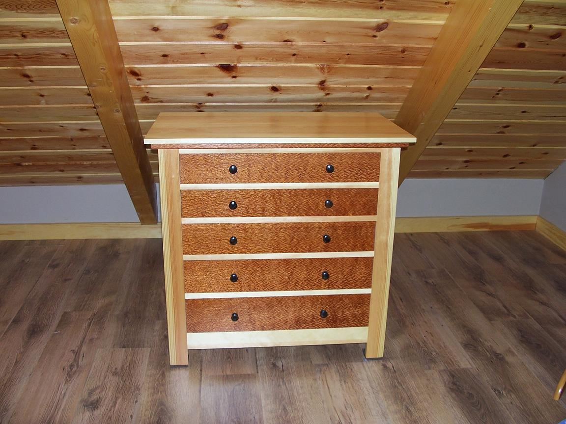 Drawer Chest And Blanket Chest