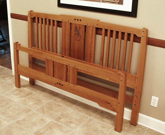 Arts and crafts bed finewoodworking for Arts and crafts bed plans
