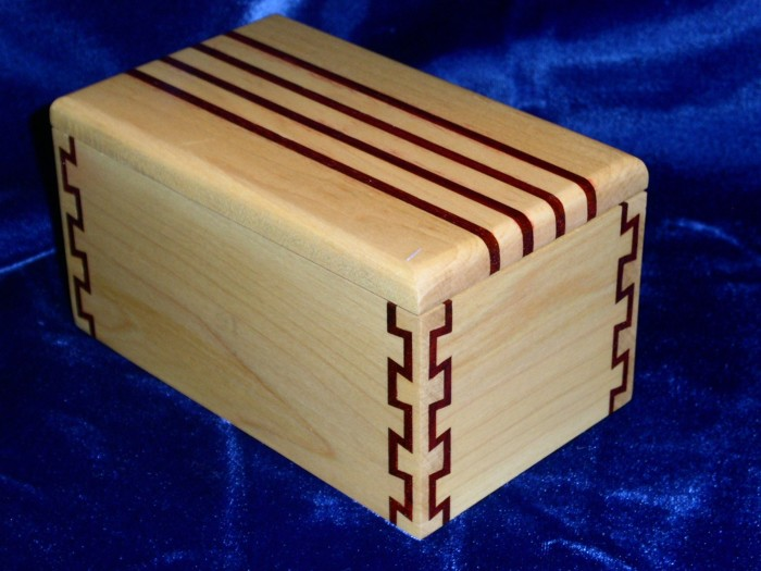 Liars Dice Game Box - FineWoodworking