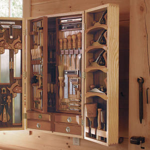 MotC: Tool Chest with an Arts & Crafts Legacy - FineWoodworking