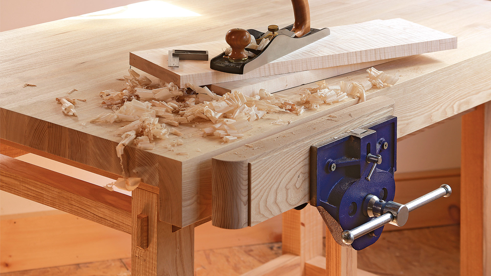 Assembling the small, sturdy workbench - FineWoodworking