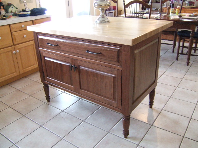 I Created This Kitchen Island From Walnut Purchased At An Auction 7 Years Ago The Walnut Was Cut From The Same Tree The Counter Is 3 Foot By 4 Foot