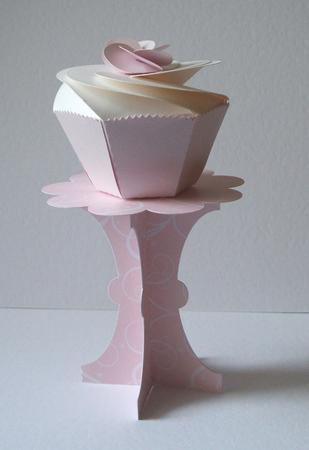 Card Gallery - 3D Cupcake stand /holder template SVG