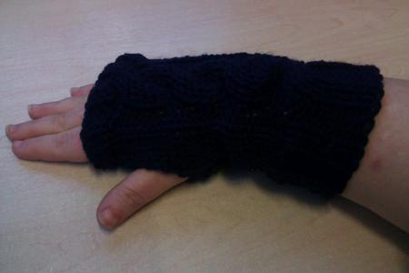 Card Gallery - chunky cable knit wrist warmers