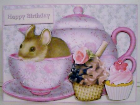 Card Gallery - Teacup Mouse With Cupcakes