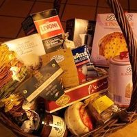 Christmas basket image