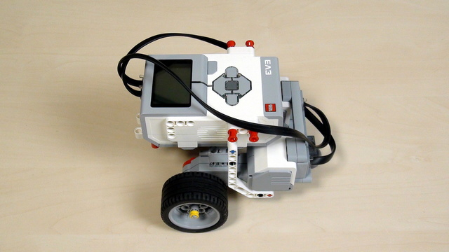 Image for EV3 Phi. Teacher's Note. Building Castor Bot